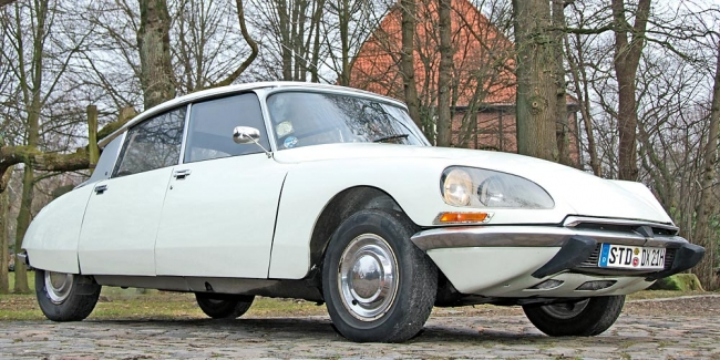 am042010_5702_citroen_ds_01
