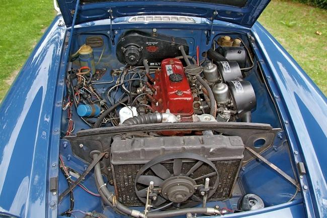am052010_7023_mgb_roadster_15