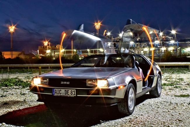 Einmal um die ganze Welt – mit dem DeLorean, womit sonst?