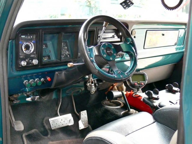 am022012_7052_ford_bronco_03