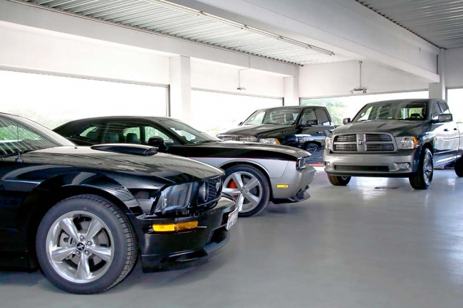am042012_7069_euro_us_cars_02