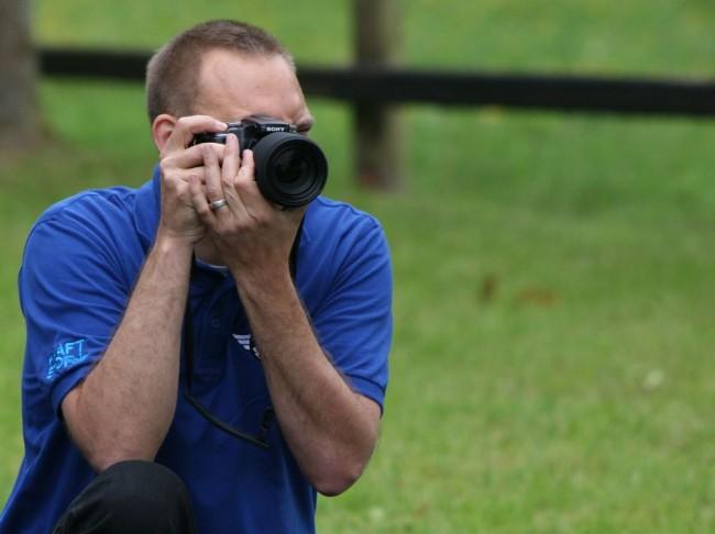 Paparazzi (wie hier Dirk Oesterreich) überall an der Strecke