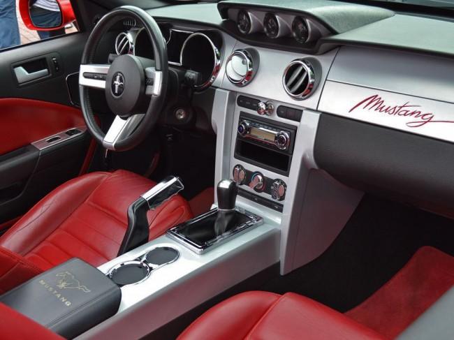 Mustang hier, Mustang da
