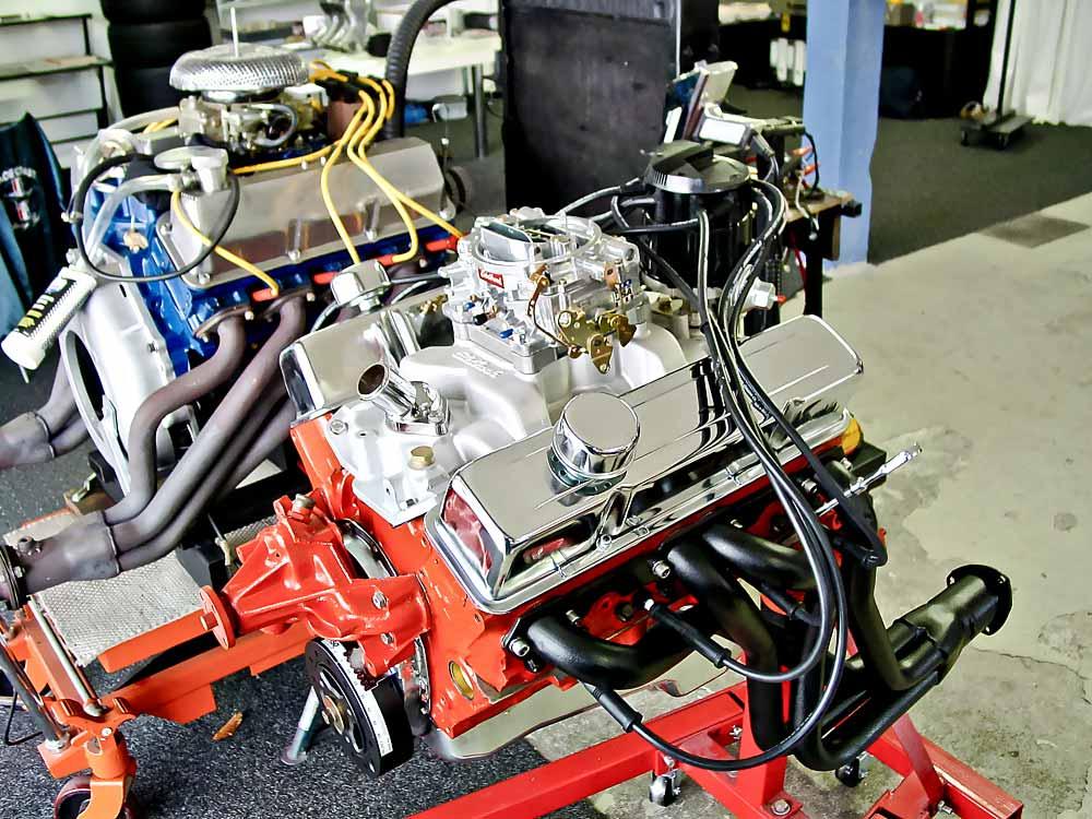 V8-work-shop – Die Schule der Motoren   TRÄUME WAGEN