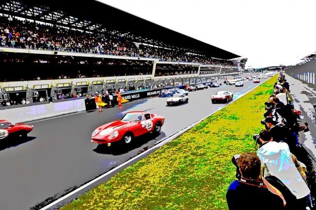 Wie damals: Über den Le Mans-Start des Grid 4 freuten sich vor allem die zahlreichen Zuschauer und Fotografen vor Ort