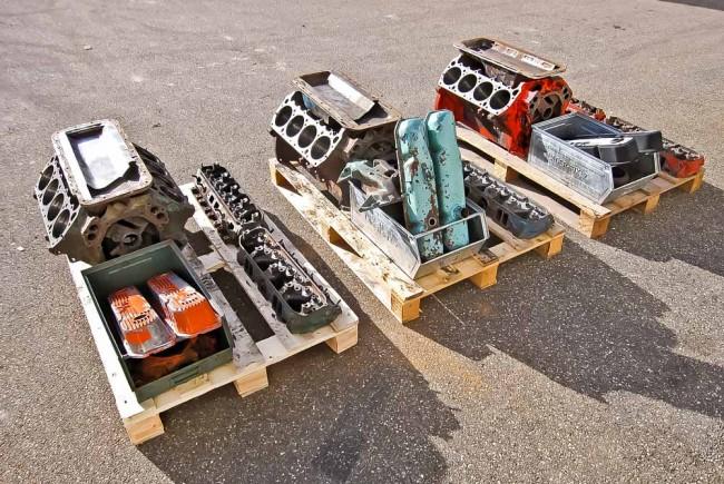 Chrysler 440er-Blöcke vor der Überarbeitung. Der große Mopar-Block wird nicht mehr produziert
