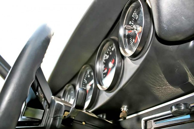 Porsche ganz klassisch: fünf Rundinstrumente