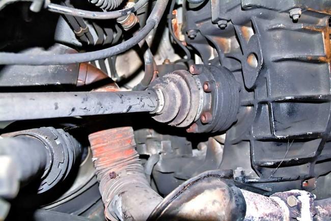 Die Antriebswellen kommen mit der Turbo-Leistung gut zurecht, und auch die Manschetten halten lange
