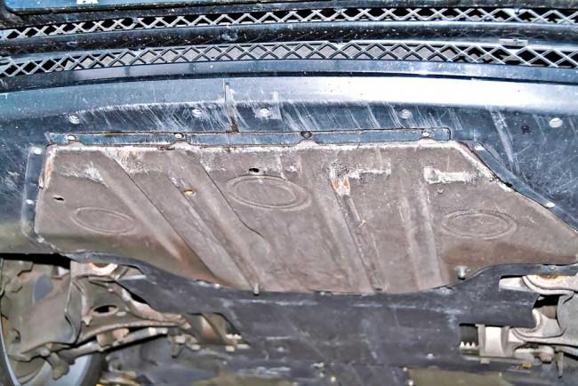 Schrammen an der Bugschürze sind kaum zu vermeiden und hier kosmetischer Natur