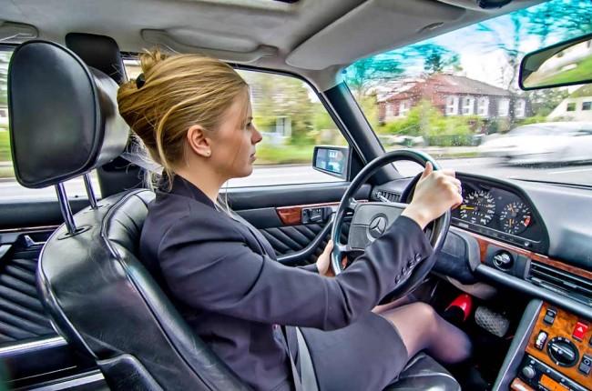 Mercedes-Benz 560 TEL