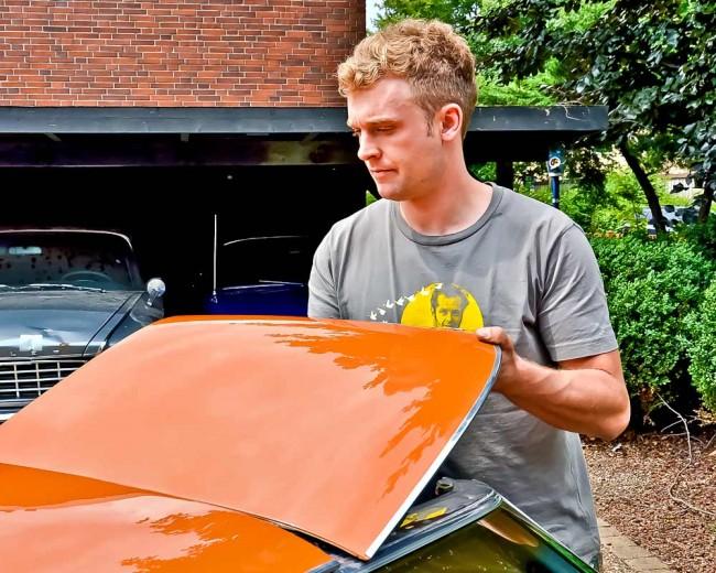 Prüfen Sie unbedingt die Verriegelung und den Zustand des T-Top-Dachs...