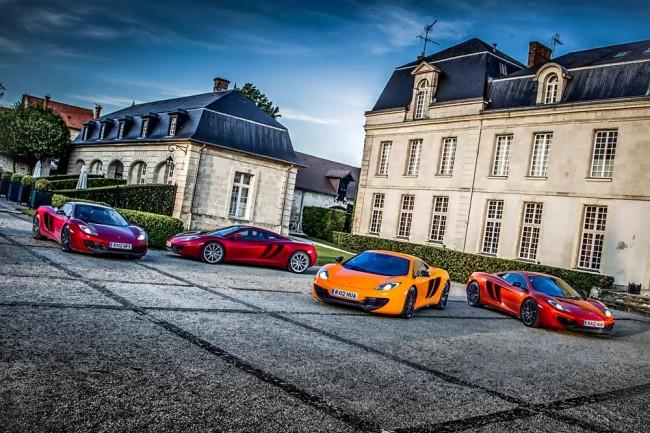 Mit dem McLaren MP4 - 12 C auf Tour: Die Stationen von London nach Monaco sind so interessant wie abwechslungsreich. Zum Beispiel Schlösser und Felder in Frankreich, die ehemalige Rennstrecke bei Reims, weite Ausblicke und sogar verschneite Pässe in den Alpen