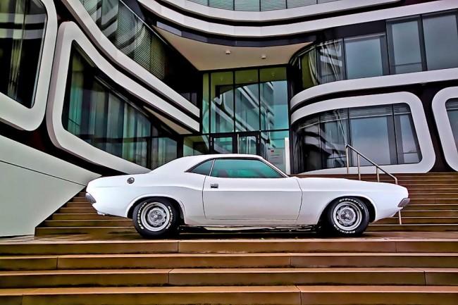 Restomod: Vollständig neu aufgebauter 1970er Challenger mit erheblichen Modifikationen. Nicht original, aber individuell