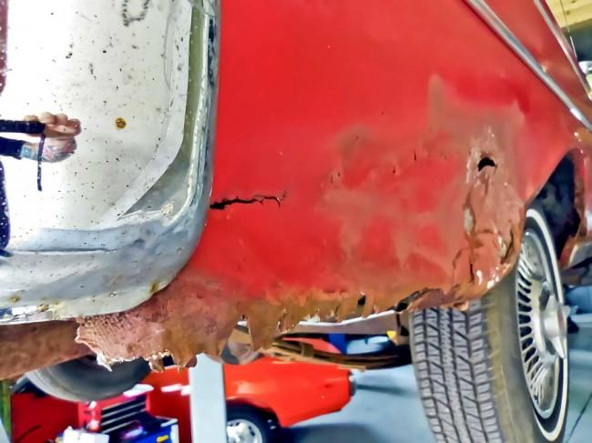 Blechreparatur: Rostschaden am günstigen Ford - hier empfiehlt sich eine lokale Reparatur