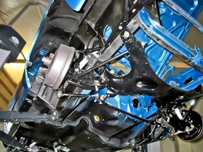 Fahrwerk, Standard: gereinigt, beschichtet, neu gebuchst - überholte Mopar B-Body-Vorderachse