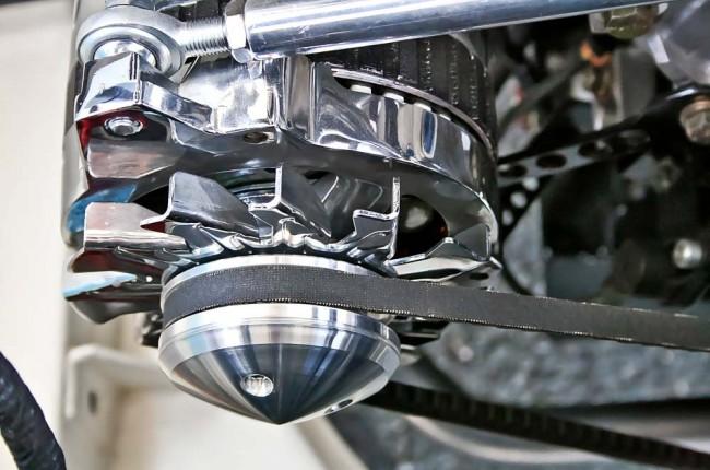 489 gemessene PS sollen den Mustang angemessen vorantreiben. Auch unter der Haube wurden nur Teile aus dem obersten Regal verbaut – alleine die Ansaugbrücke kostete 9.000 Euro
