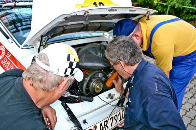 Kleine Probleme am Kurzenberger-Porsche sind schnell behoben