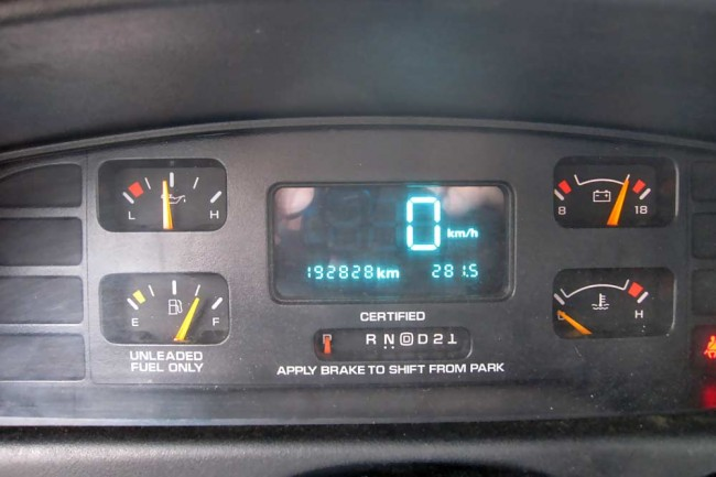 Digitales Zeitalter: Schön ist das 94-96er Caprice-Cockpit nicht, dafür auf km/h umschaltbar. Die Öldruckanzeige bei Streifenwagen ist tatsächlich funktional