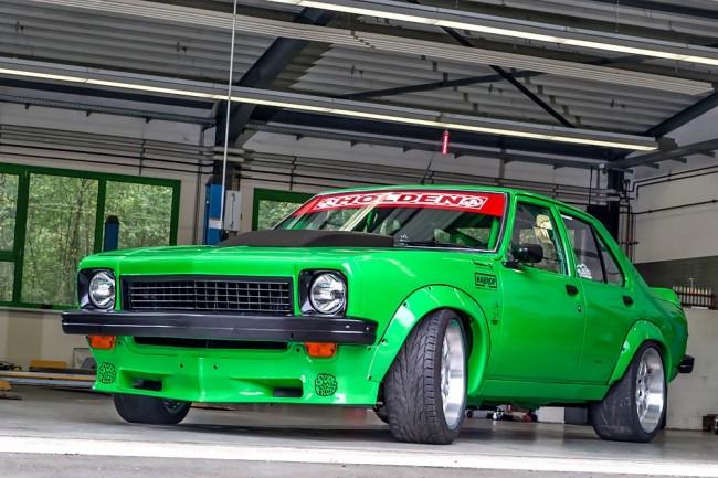 Die grüne Höllenmaschine: Der Holden Torana SLR 5000 feiert eine wilde 70s-Party