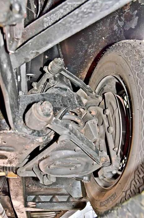 Die Vorderradaufhängung des Mark II mit Schraubenfedern und doppelten Querlenkern wird Sportwagenansprüchen voll gerecht