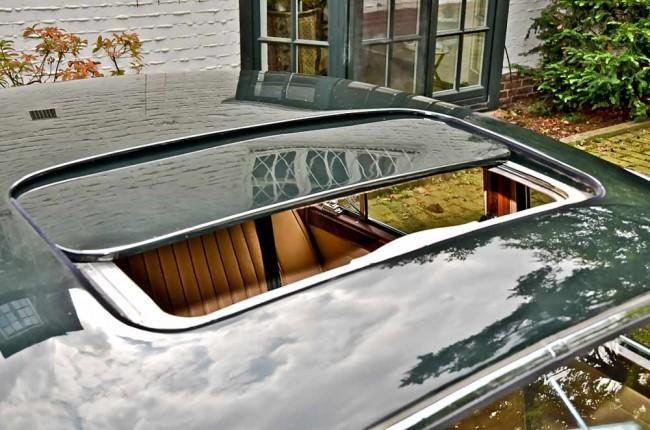 Superselten: ein Stahlkurbeldach...