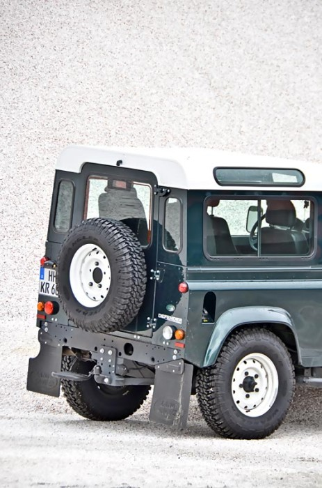 am0813_land_rover_defender_04
