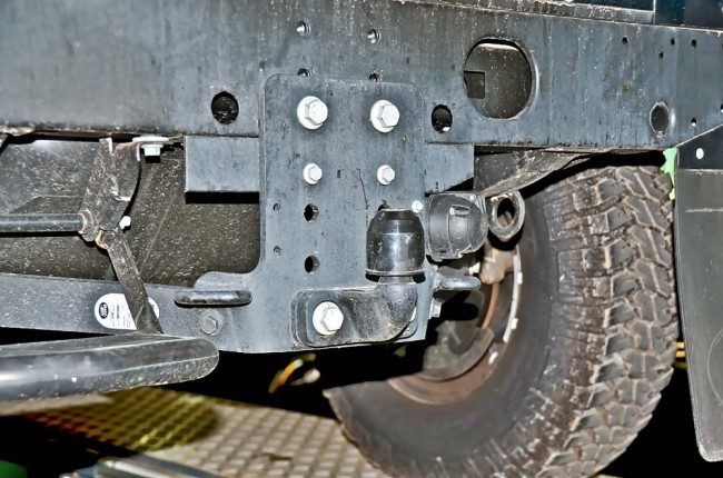 am0813_land_rover_defender_25