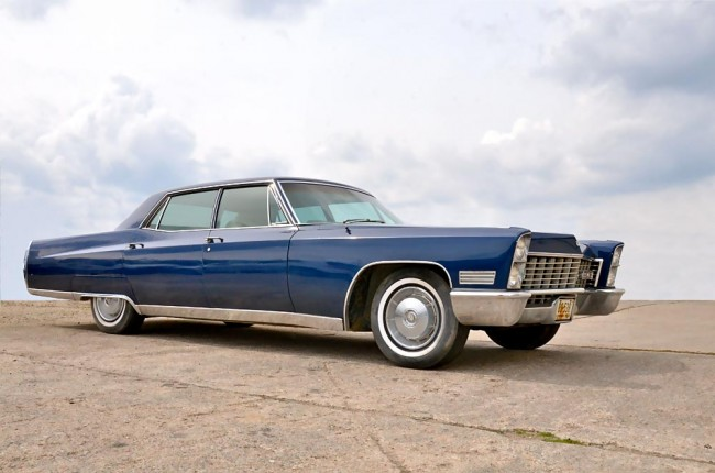 am0913_cadillac_fleetwood_01
