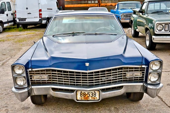 am0913_cadillac_fleetwood_400
