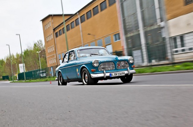 am1113_volvo_amazon_02
