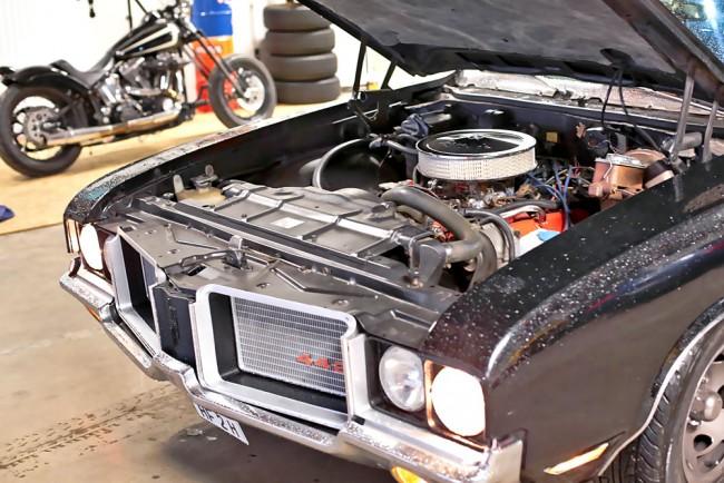 08-Oldsmobile-Motor-02