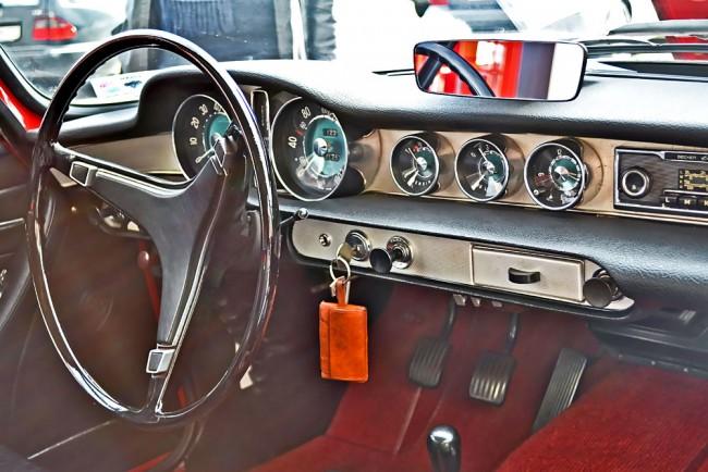 Volvo-P1800-Interior-13