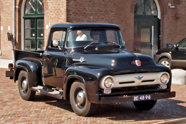 1956er-chevy-pick-up-5