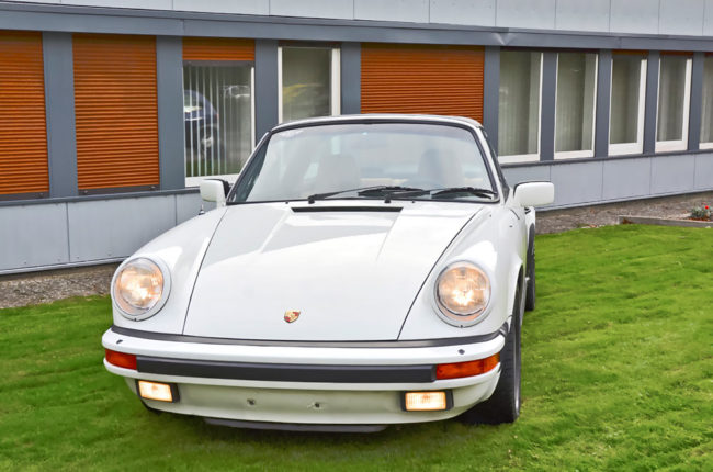 Porsche_911_Carrera_7542