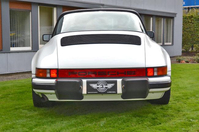 Porsche_911_Carrera_7556