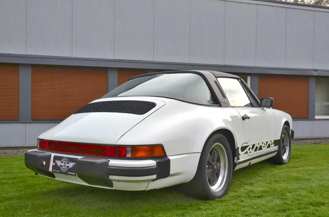 Porsche_911_Carrera_7558