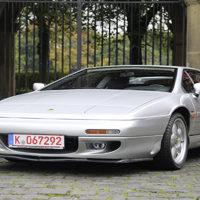 Brit Power – Lotus Esprit S4