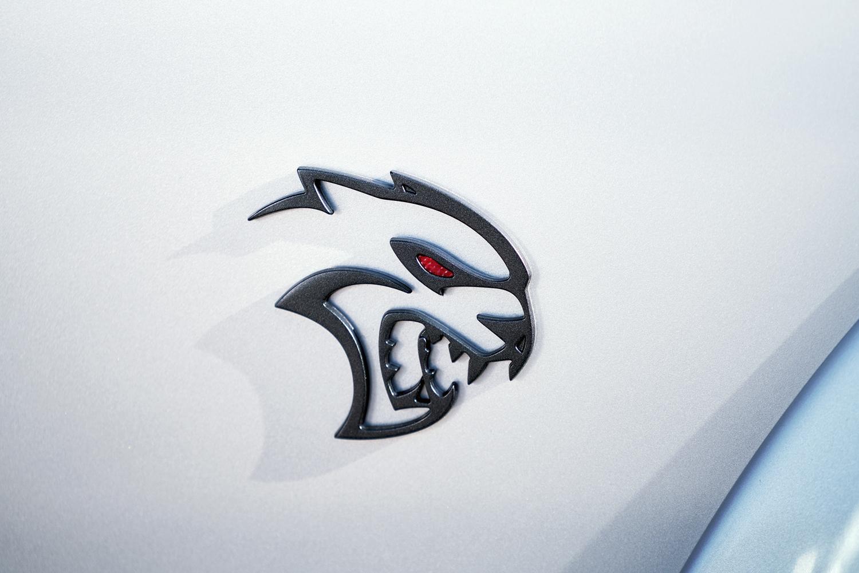 dodge hellcat badge Bildergalerie: Dodge Challenger SRT Hellcat Redeye 2  TRÄUME WAGEN