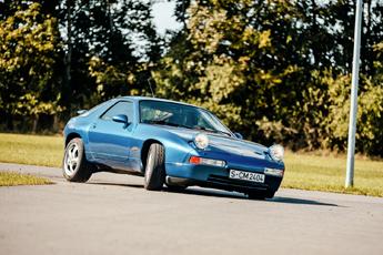 Checkpoint: Porsche 928 GTS